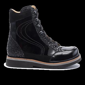 002 black patent leather