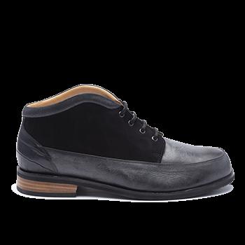 045 Black polished leather